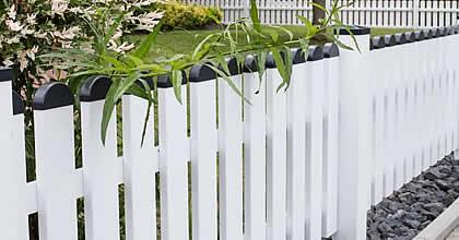 Gartenzäune aus witterungsbeständigen Kunststoff - nie ...